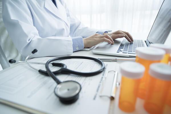 勤務医の平均年収は勤務地や地域で異なる