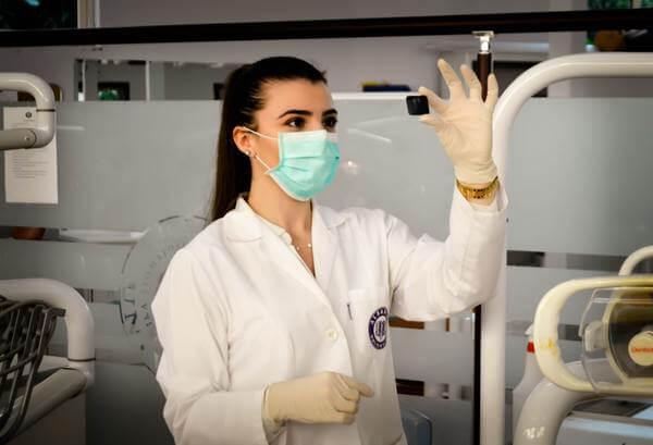 皮膚科-看護師-転職-仕事内容