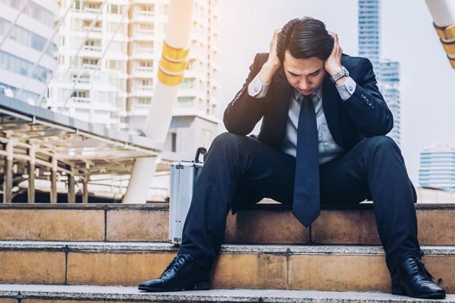 営業を辞めたいと悩んでいる人必見!辞めたいと思ったときの原因と対処法など徹底紹介の画像